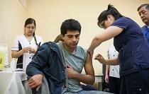 Vacunan de forma gratuita contra la Hepatitis B a estudiantes de las carreras de Salud